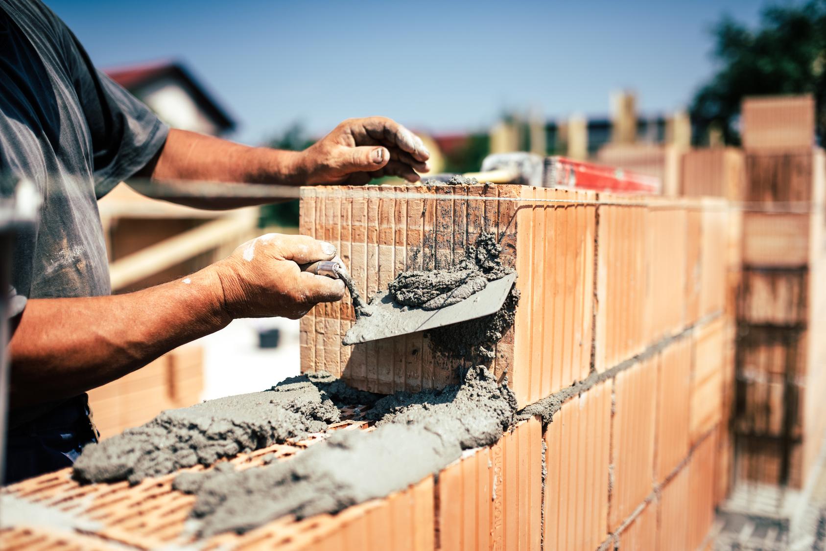 Ciment, mortier : quelles différences et quelles utilisations ?
