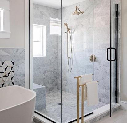 Comment créer une salle de bains tendance en 2021 ?